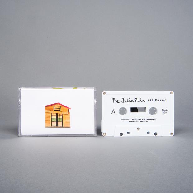 Thejulieruin hitreset cassette 01