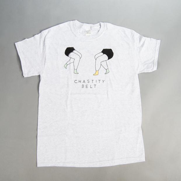 Chastitybelt tshirt legs 01